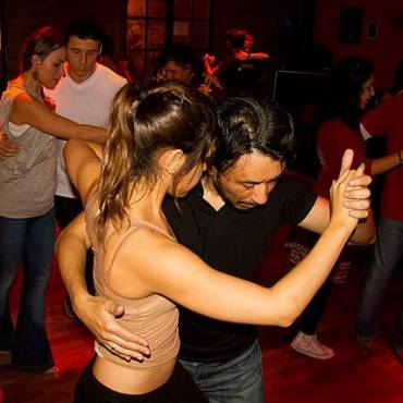 10 Amazing & Unexpected Benefits of Dancing