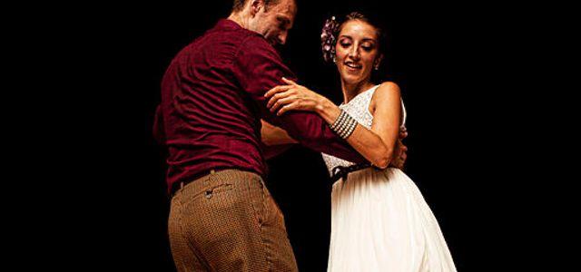 Swing-Dancing-Couple.jpg
